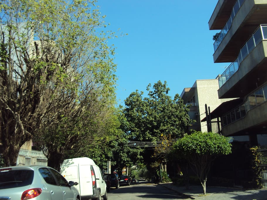 Street building / Rua do prédio