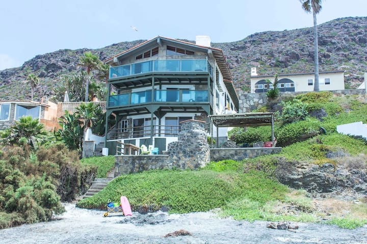 Authentic 1950's beach house!