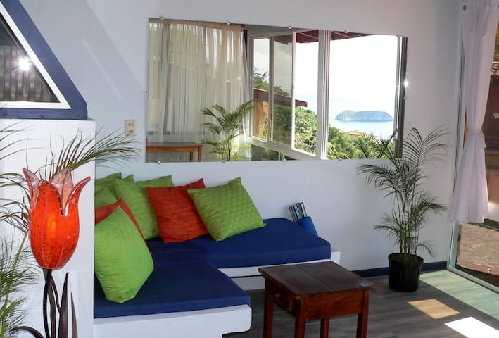 OCEAN VIEW PENTHOUSE SUITE! Fresh Tropical Vibe! - Quepos