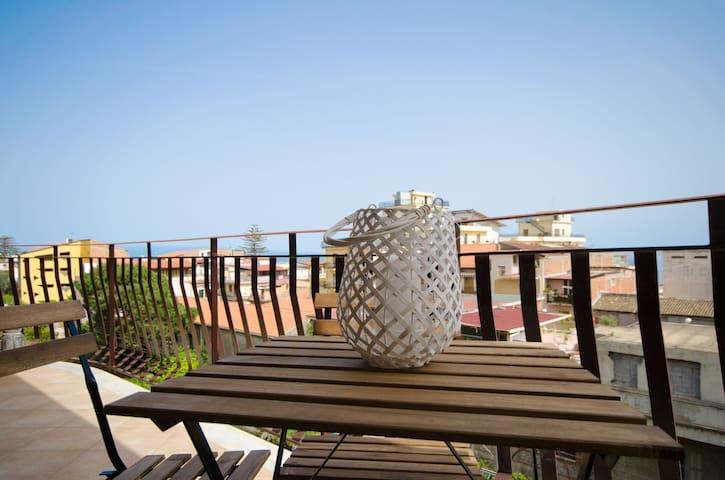 Panoramic Modern Flat|LE-Taormina