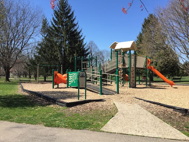 Fancyburg park (complete with picnic area, 4 tennis courts, and two playgrounds) is only 0.8 mile away.