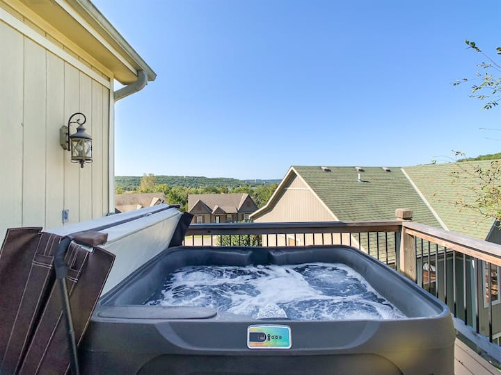 Your Family's HQ near Table Rock Lake with Hot Tub
