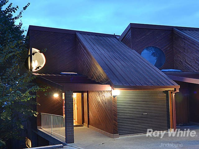 Bellview 1- Jindabyne Holiday Townhouse