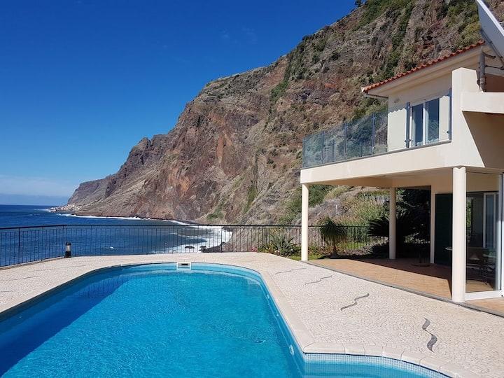 Jardim do Mar: 3 chambres, piscine, vue imprenable