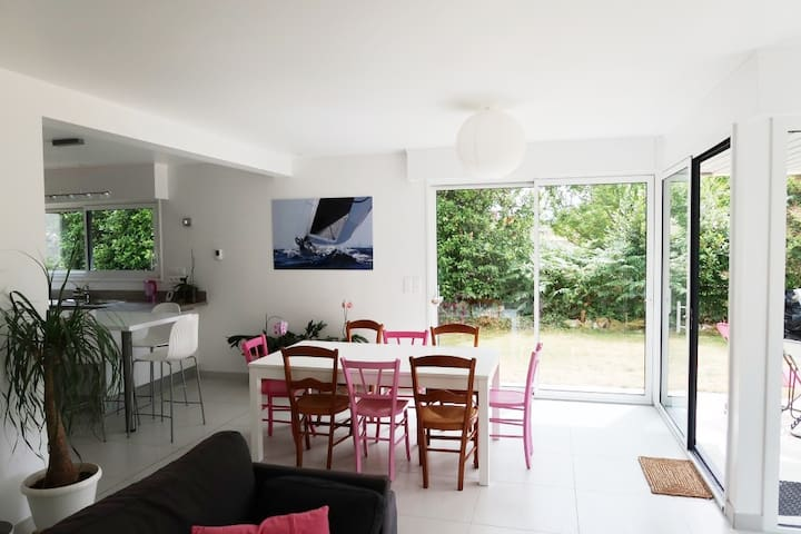 BELLE MAISON D'ARCHITECTE, Plouharnel, 8 personnes - Plouharnel - Rumah