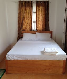 PETROS HOMESTAY - Bed & Breakfast