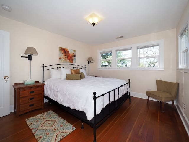 Upstairs bedroom with Cal King bed.