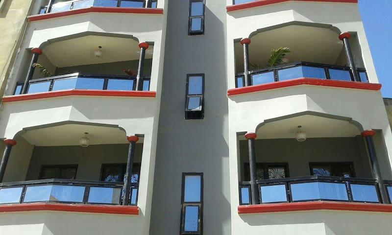 3pieces spaceuces plus salon - Dakar - Apartment