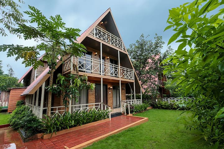 Wooden House ☆2BR ☆Jacuzzi ☆Riverside ☆Luxurious