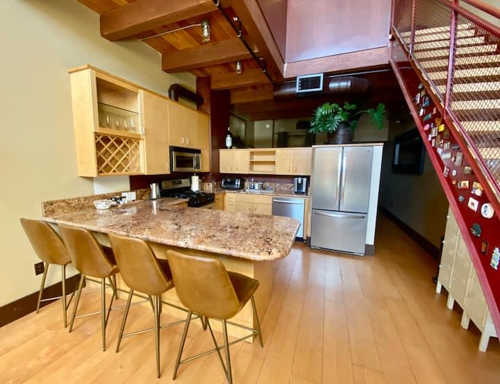 Modern & Bright Santana Row 2 Bedroom Loft