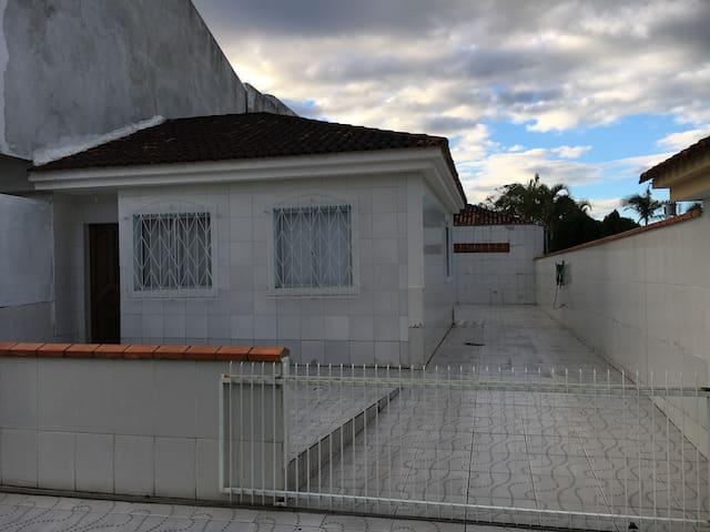 Casa completa de 2 quartos