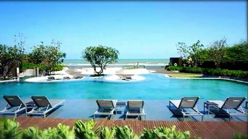 CHARMING LUXURY 2BR BEACHFRONT CONDO WITH MOTOBIKE - Cha-Am  - Apartemen