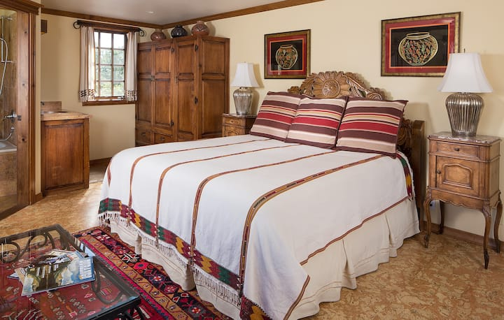 Blue Lake Ranch's La Plata Vista Room, Daily Breakfast, No Deposit, No Cleaning Fees!