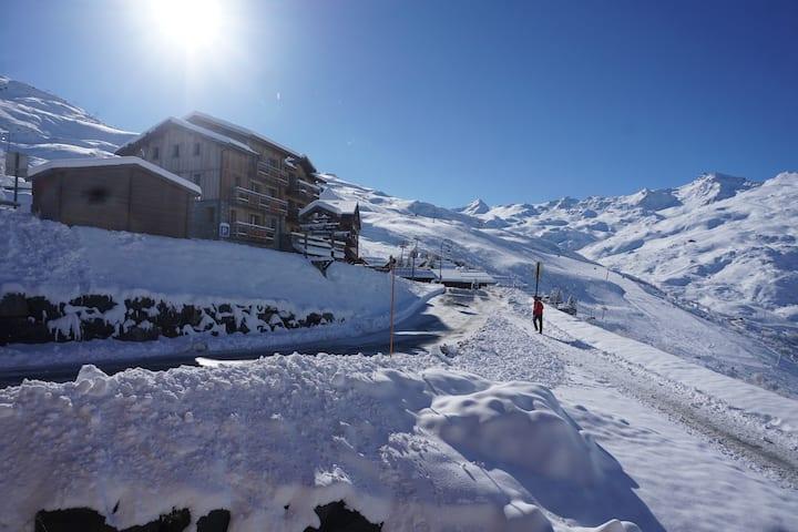 Les Menuires - Reberty 2000 - Ski aux pieds