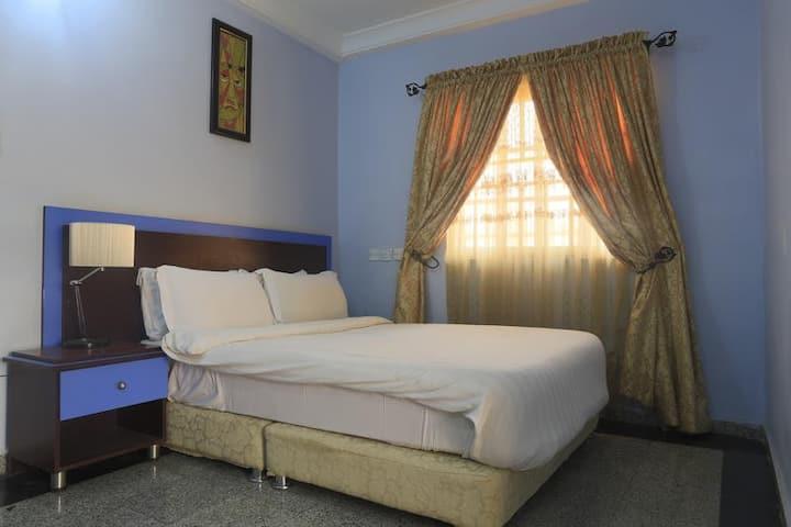 Lapour Hotels - Pent House
