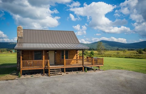 ✧Meadow Cabin- hot tub, KING bed- NO CLEANING FEE!