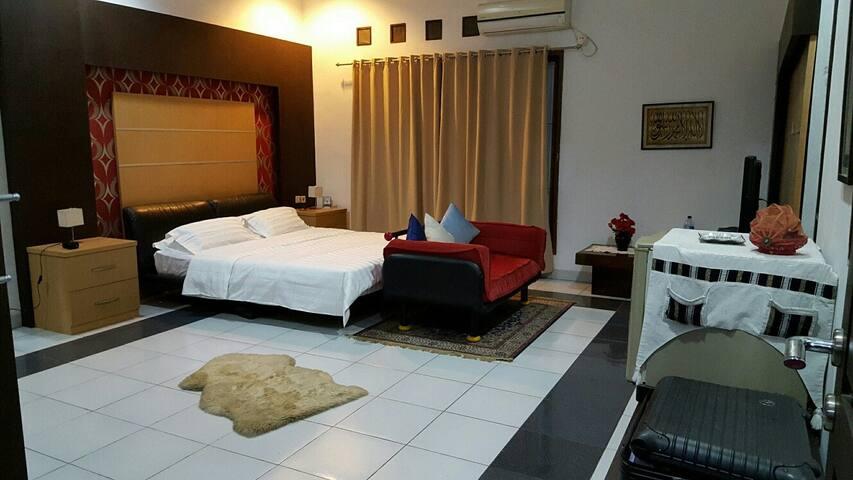 Master Bedroom at Bojongherang Guesthouse - Kecamatan Cianjur