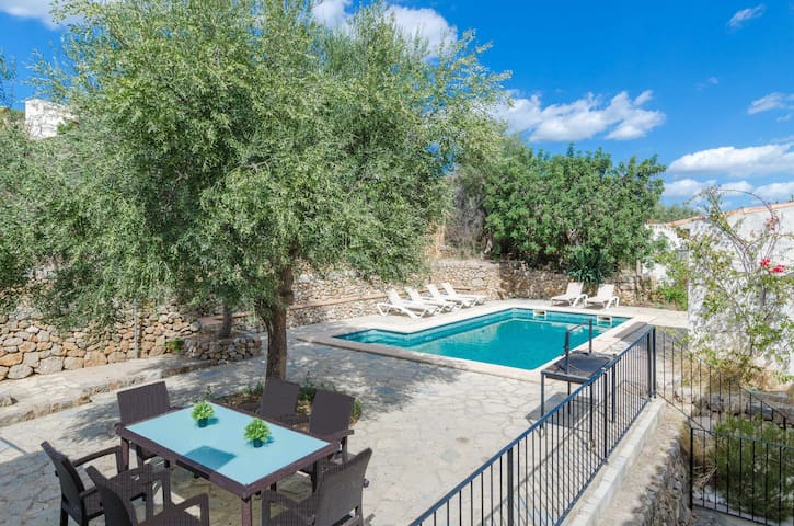 YourHouse Ca N'Abrines, villa with private pool and Wifi in the Tramuntana