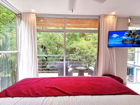 Iguana Suite at Jungle Vista Boutique Hotel