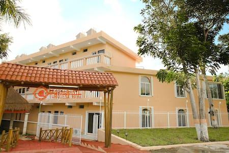 Hotel Turquesa Maya  - Felipe Carrillo puerto - Aamiaismajoitus