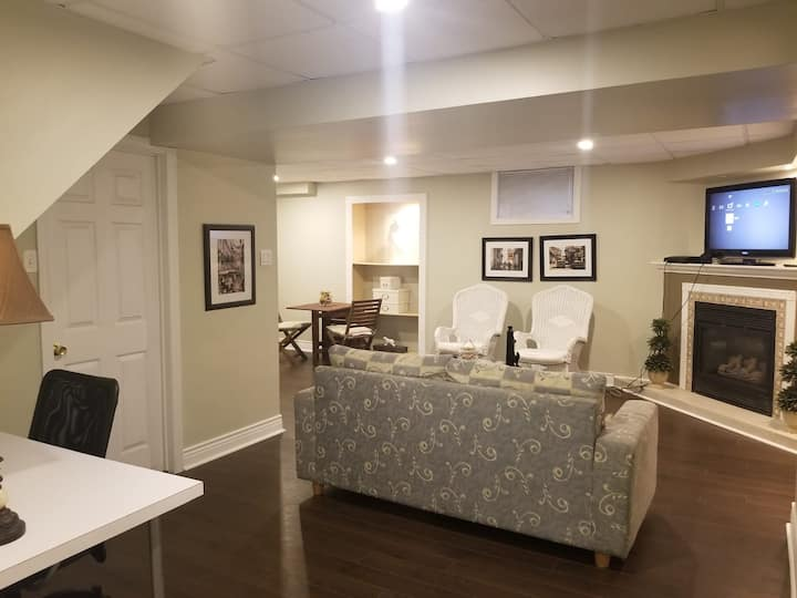 Fully Private+Kitchen+TV/WiFi 2 bed+bath basement