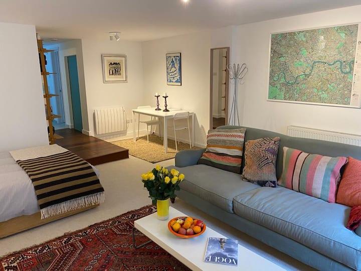 Modern Islington studio flat close to Kings Cross