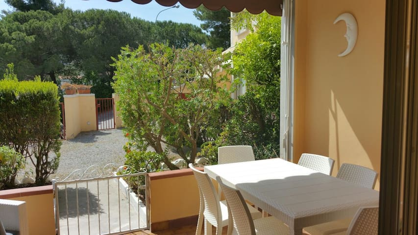 New and quiet apart.  just 3 min. to the beach! - Portoferraio - Leilighet