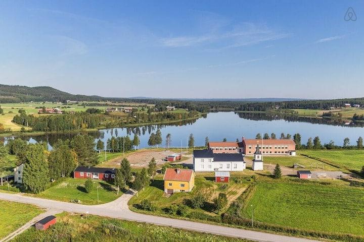 PRISVÄRT Boende Intill sjön FREE WIFI sovrum 2