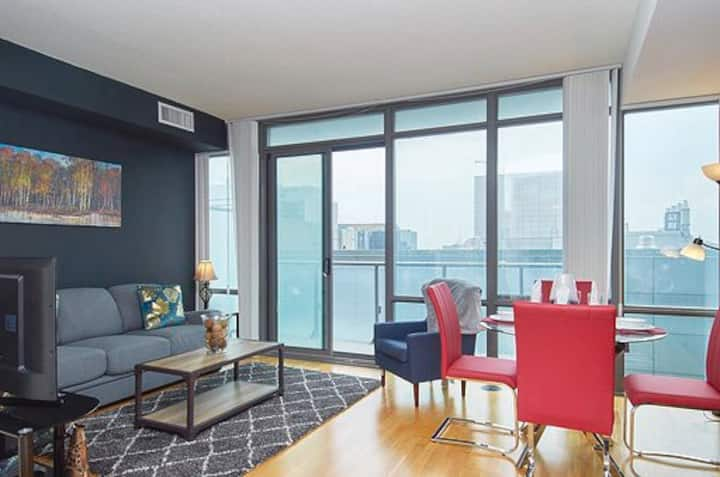 Downtown-Bay/College Stylish Fully Furnished Apt!