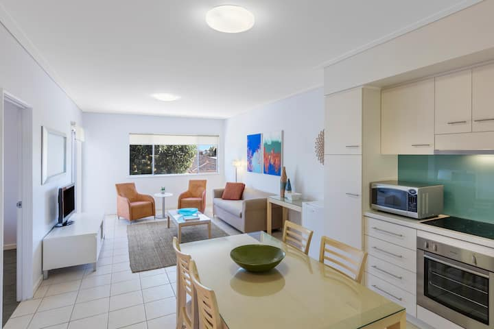 Fully Self-Contained 3-Bedrm Townhouse Near Beach