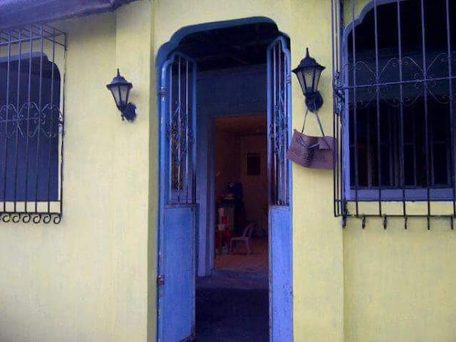 A quiet, sunny, 50sqm house for vacation rent - Cavite