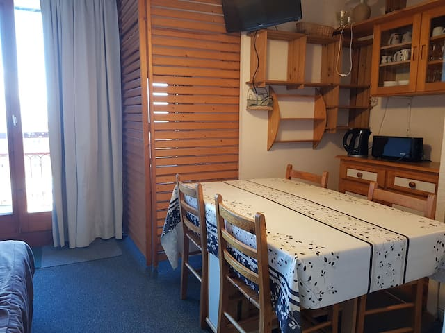 Studio for 4 persons in Arc 2000 close to the ice-rink
