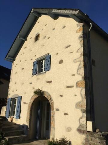 Ancienne maison rénovée lumineuse vue magnifique
