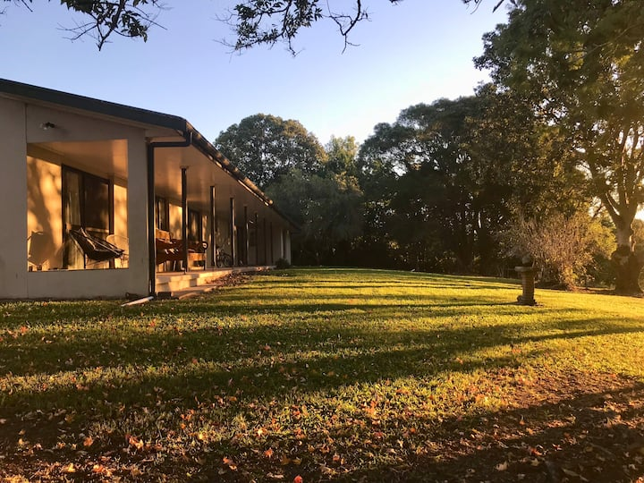 Serene SemiRural Vintage home centrally located