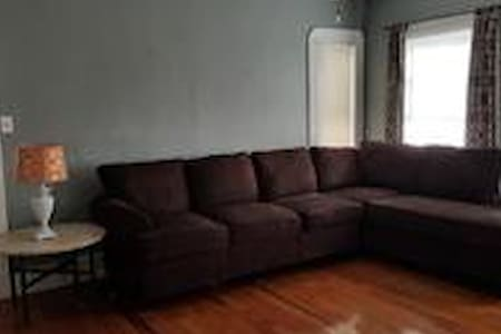 Great 1 bed in fully furnished apt