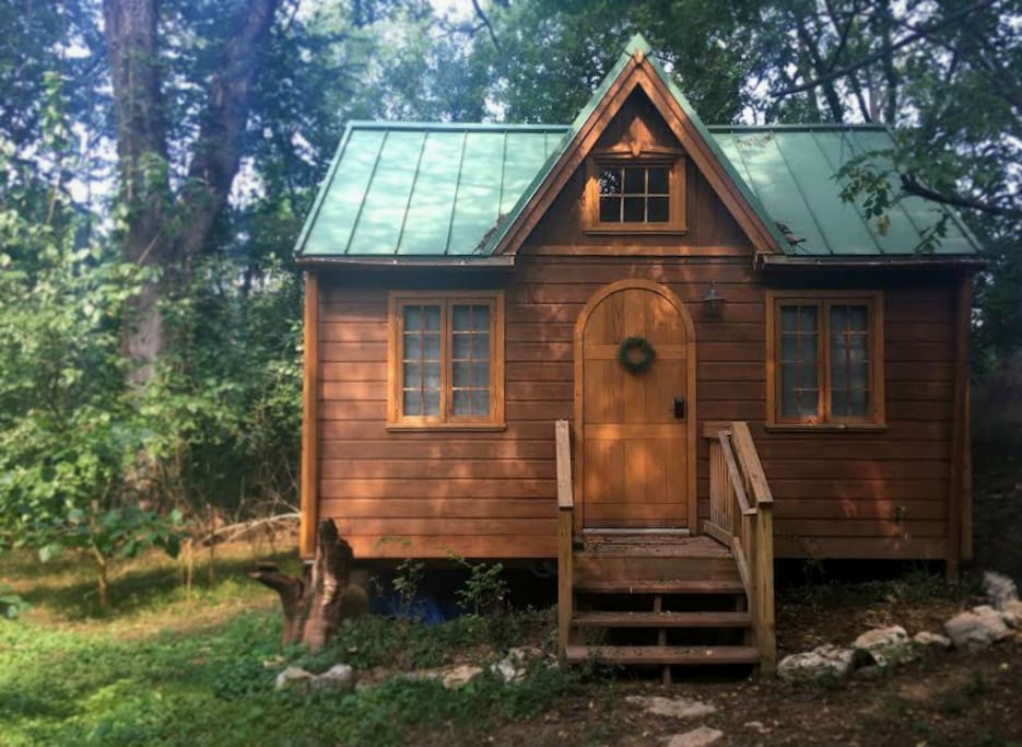 light filled tiny house luxurious in town houses for rent in nashville tennessee. Black Bedroom Furniture Sets. Home Design Ideas