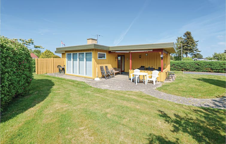 Holiday cottage with 2 bedrooms on 67m² in Nordborg