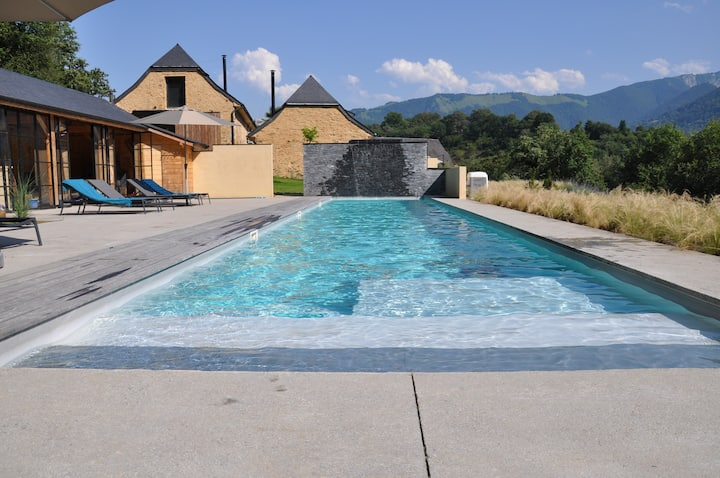 Isolated villa in French Mountain with heated pool