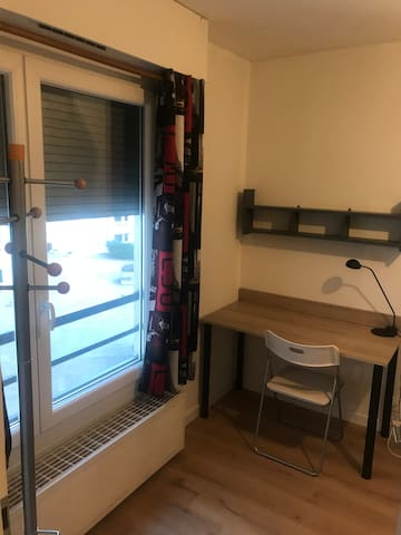 Room in a renovated flat near bus stop in St Genis