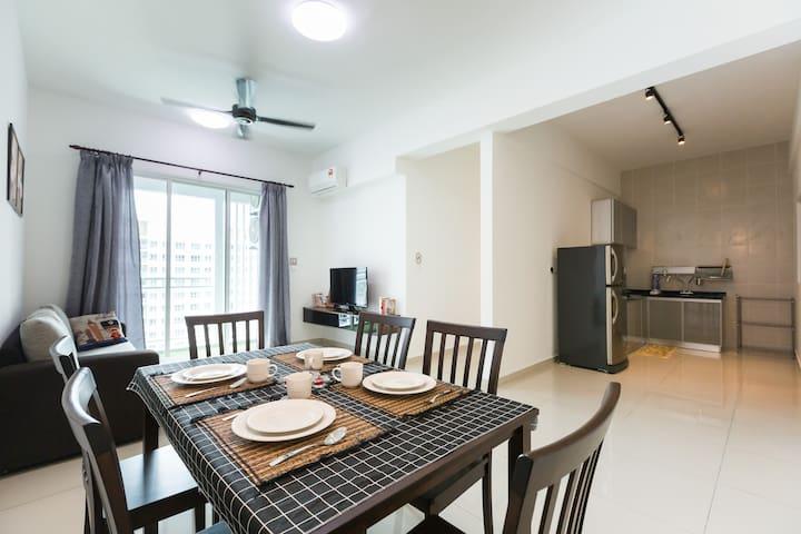 New & Cozy Home 城宿 · 采光阳台 · 星巴克 · 居可住6人
