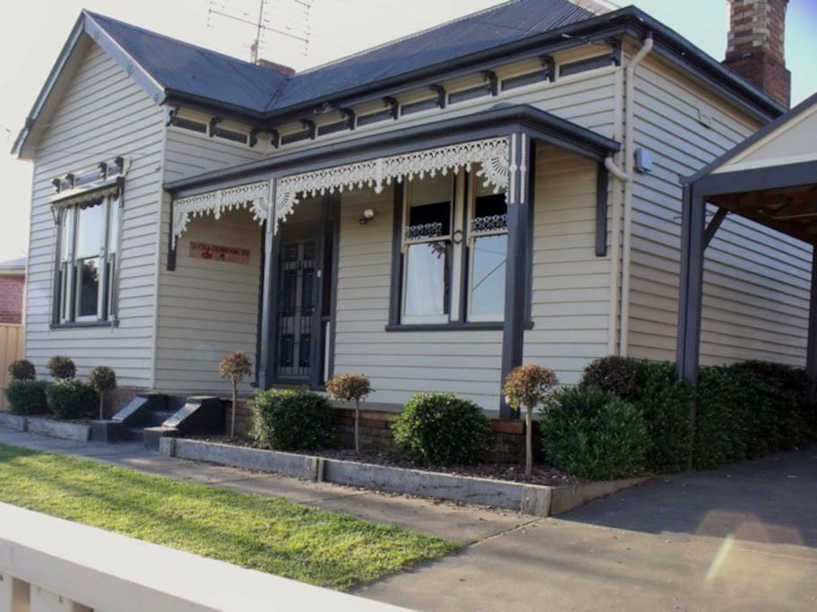 Eureka Views B&B. 3 BD Entire House - Houses for Rent in