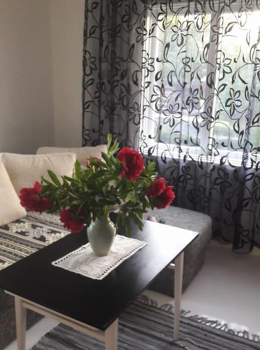 Mandala Flower Suite livingroom