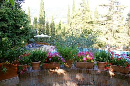 Villa with pool between Tuscany and Umbria - Corciano - Villa