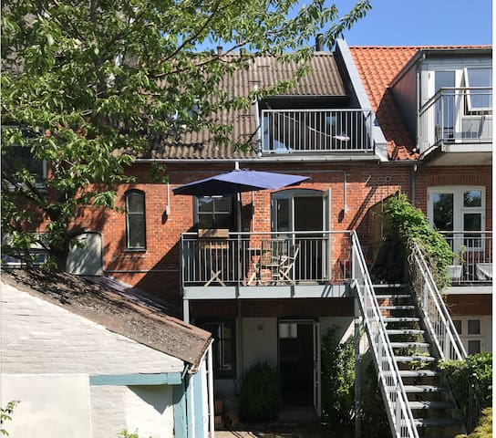Spacious house with garden in center of Aarhus
