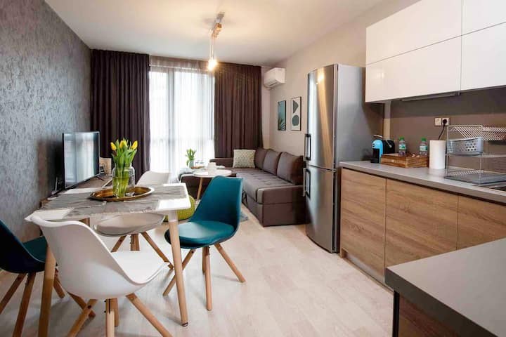K'sCityLiving: Central&New with Free Parking