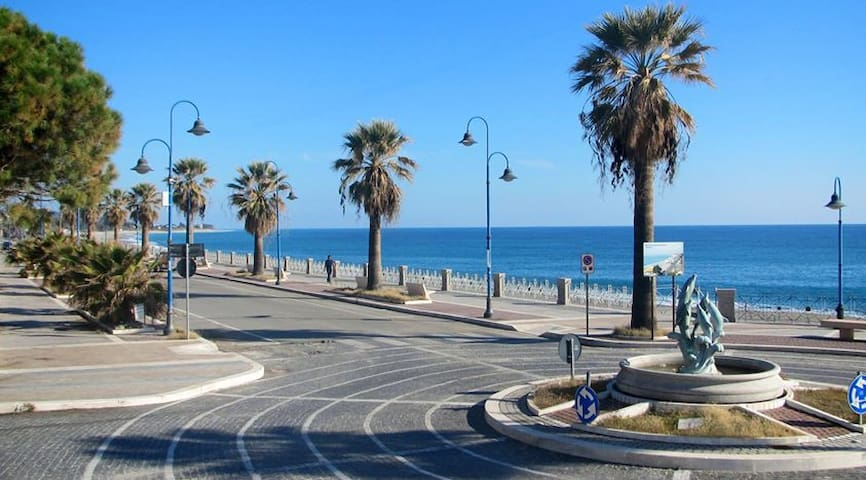 Appartement a 100 mètres de la plage - Marina di Gioiosa Ionica - Apartment
