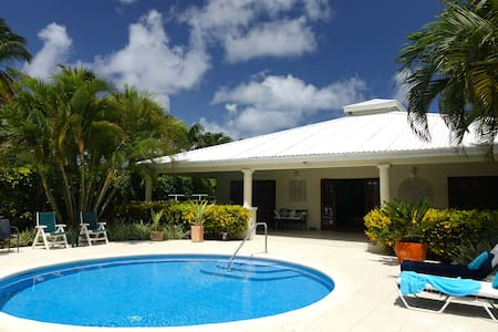 Wonderful West Coast Villa - 5 mins walk 2 beaches - Casa de camp