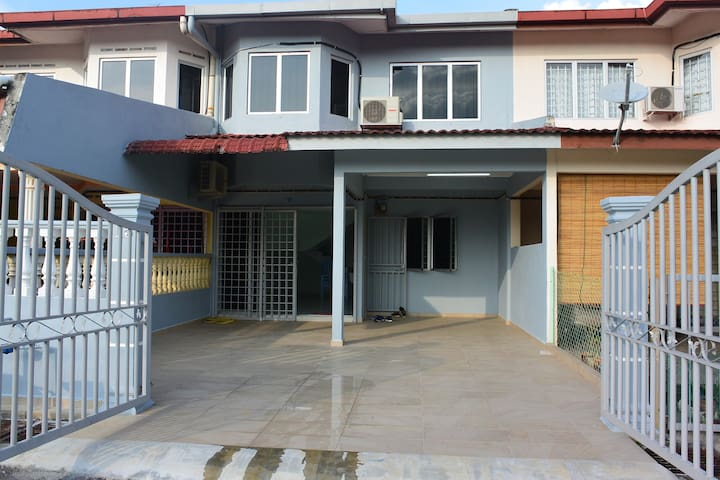 Relaxable Kampung Homestay
