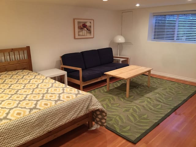 Private room with private bathroom - Vancouver - Bed & Breakfast