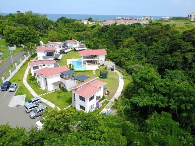 Casa de Playa - Villa en RioMar San Carlos